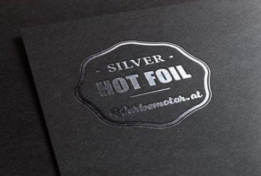 Silberne Folierung auf der Visitenkarte Druck